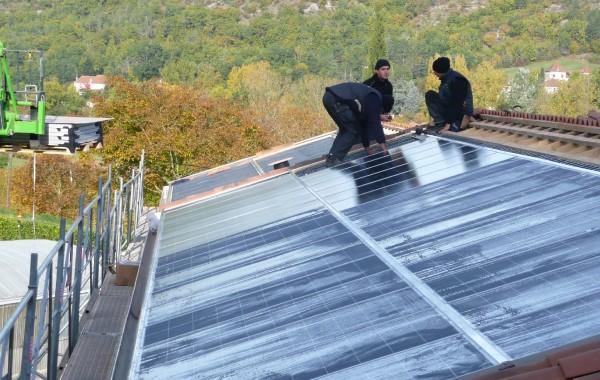 Bâtiment équipé en panneaux photovoltaïques